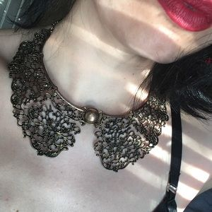 Jewelry - Metal necklace collar